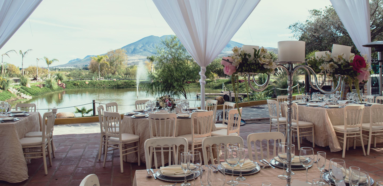Vista al estanque artificial de Quinta San Carlos